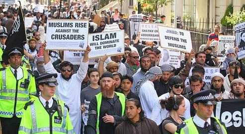 Entrisme islamique en entreprise, la différence française!
