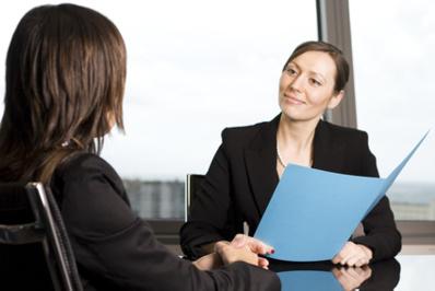 D'après l'Apec, 36% des bac +4 et plus galèrent pour trouver un emploi