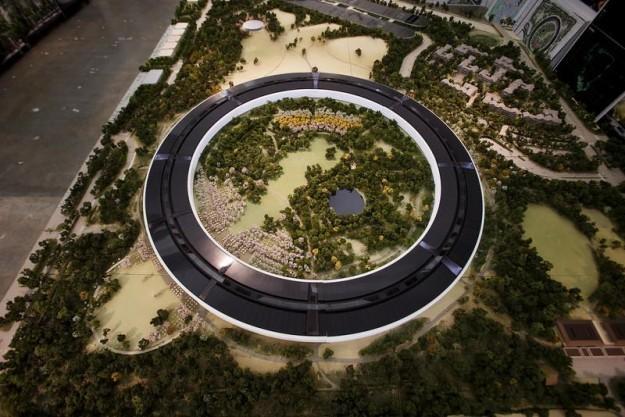 Apple dévoile la maquette de son campus « spaceship » ou « le donut de l'espace »