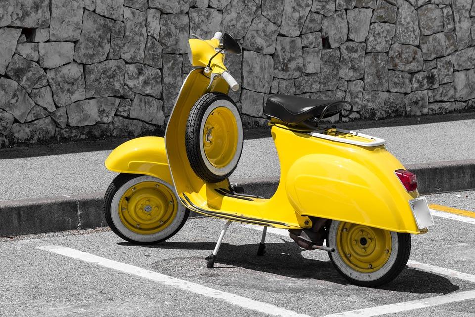 Piaggio présente une Vespa électrique