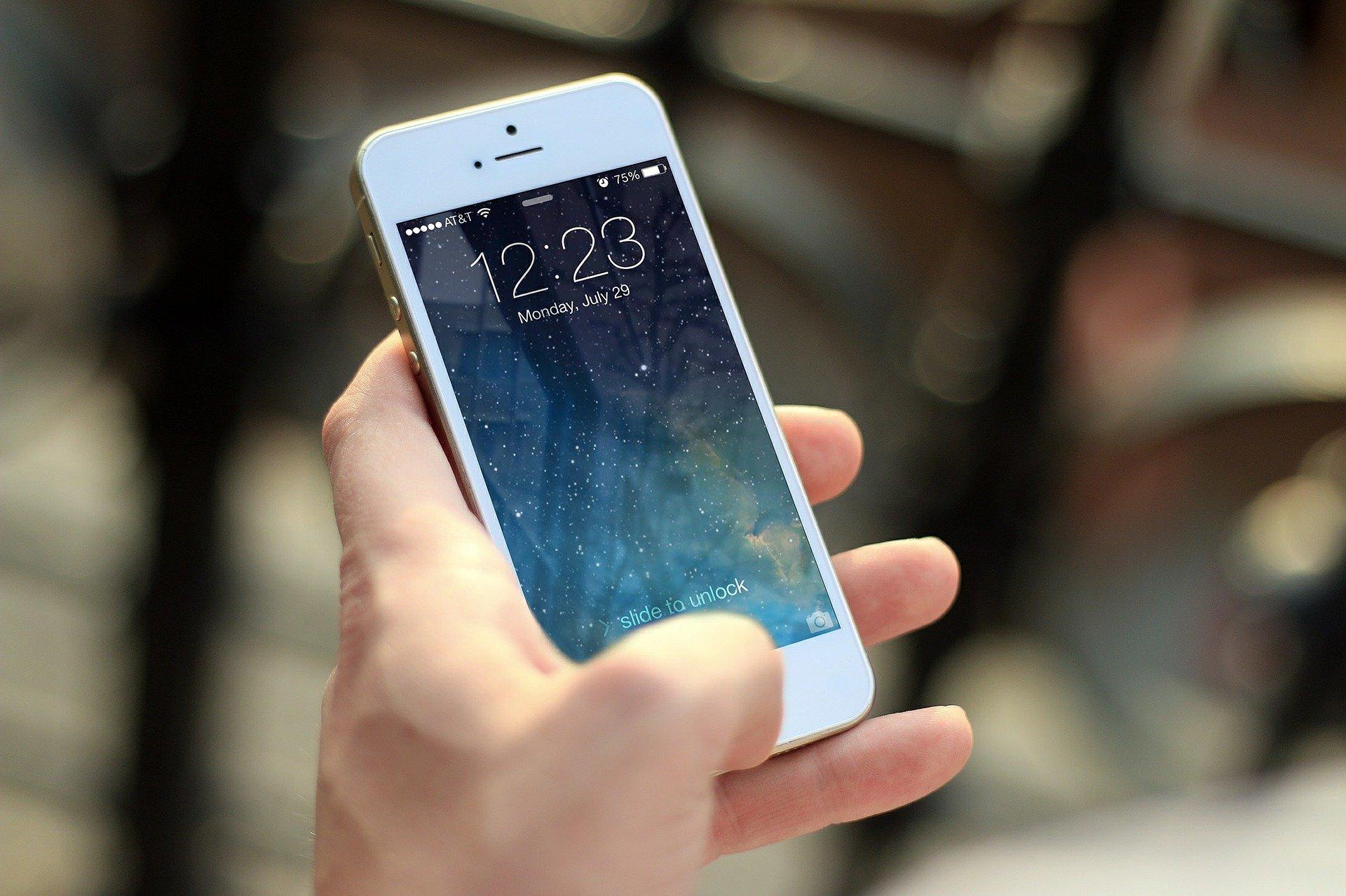 Les iPhones bientôt connectés à Internet sans besoin d'opérateur ?
