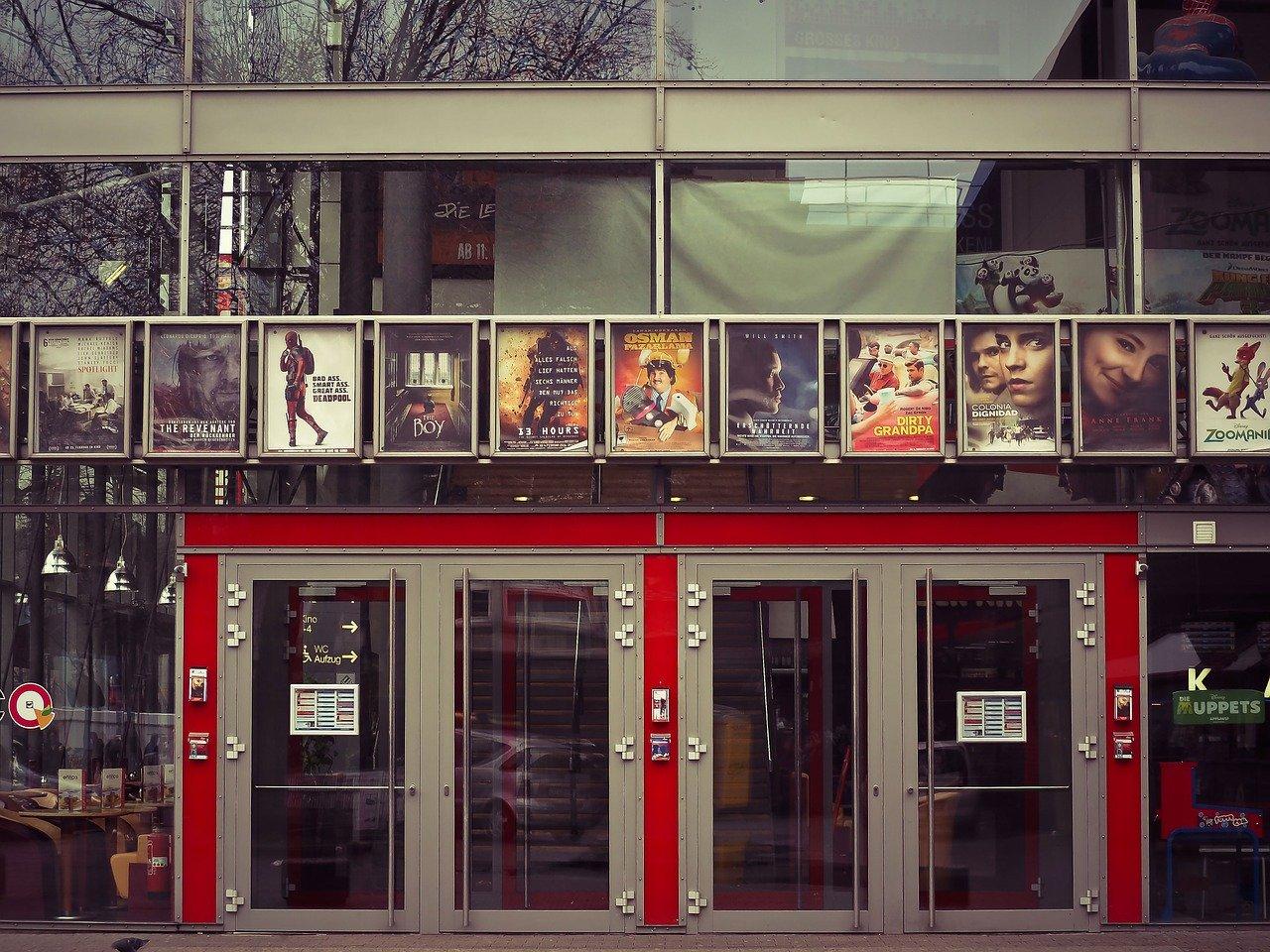 Confinement : le cinéma envisage de rendre accessible les films à l'affiche depuis chez nous