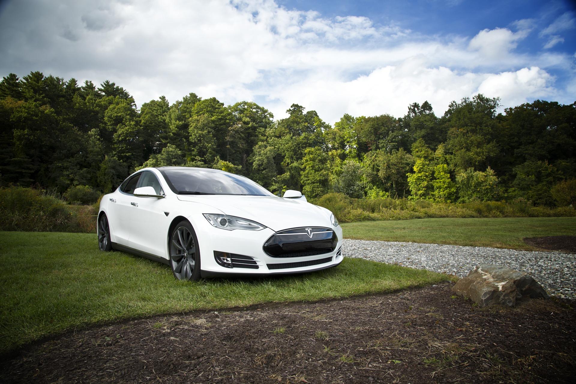 Accident mortel avec une voiture Tesla apparemment sans conducteur