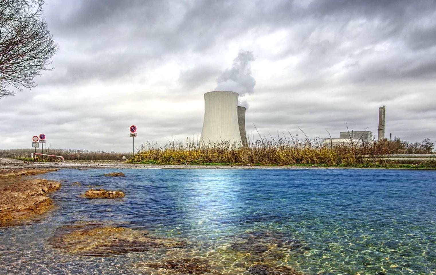 Les SMR, ces mini-centrales nucléaires qu'Emmanuel Macron veut multiplier en France