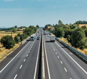 """Concessions d'autoroutes, """"privatisation""""… Petites controverses et grands mensonges empoisonnent le débat"""