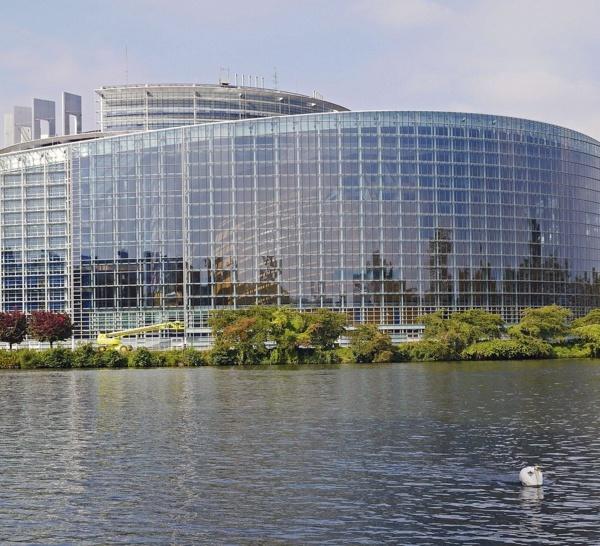"""Coronavirus : Le Parlement européen appelle à la """"solidarité européenne"""""""