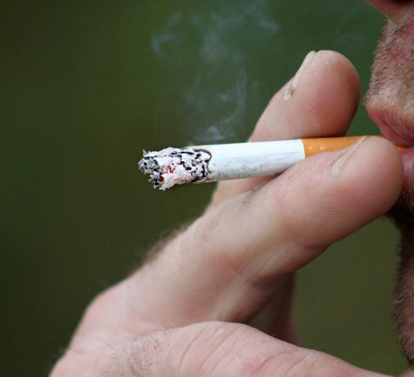 L'importation de tabac limitée à une cartouche par personne en France