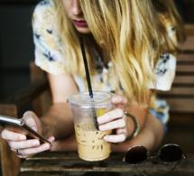 Ados : ce que les portables représentent dans leur vie