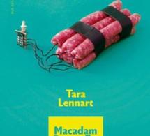 Tara Lennart foule le pavé avec « Macadam Butterfly »