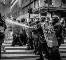 Amazon suspend pendant la fourniture à la police des États-Unis le service de reconnaissance faciale