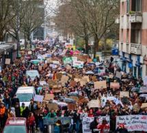 Le Conseil d'État autorise à nouveau les manifestations