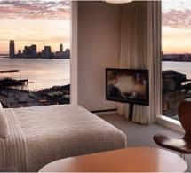 Comme un pied de nez aux gratte-ciel new-yorkais : le Standard Hotel de High Line